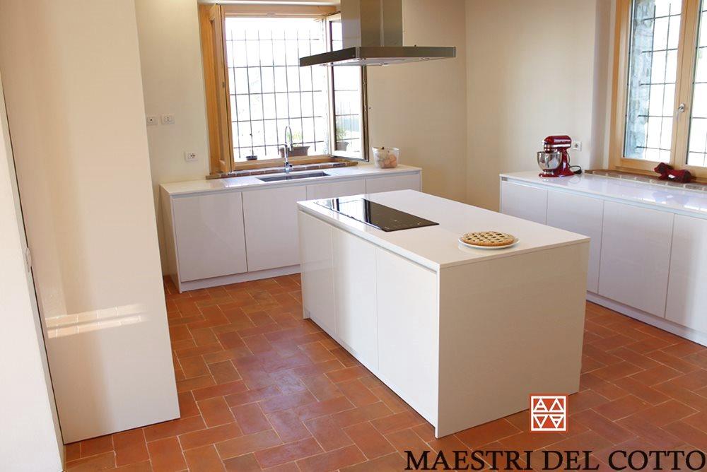 Cucina pavimento in cotto citt della pieve perugia umbria for Pavimento della cucina del cottage