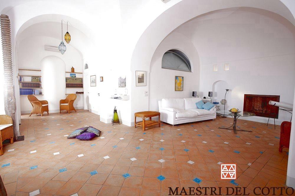 Pavimento Bianco Colore Pareti : Colore pareti con pavimento in cotto