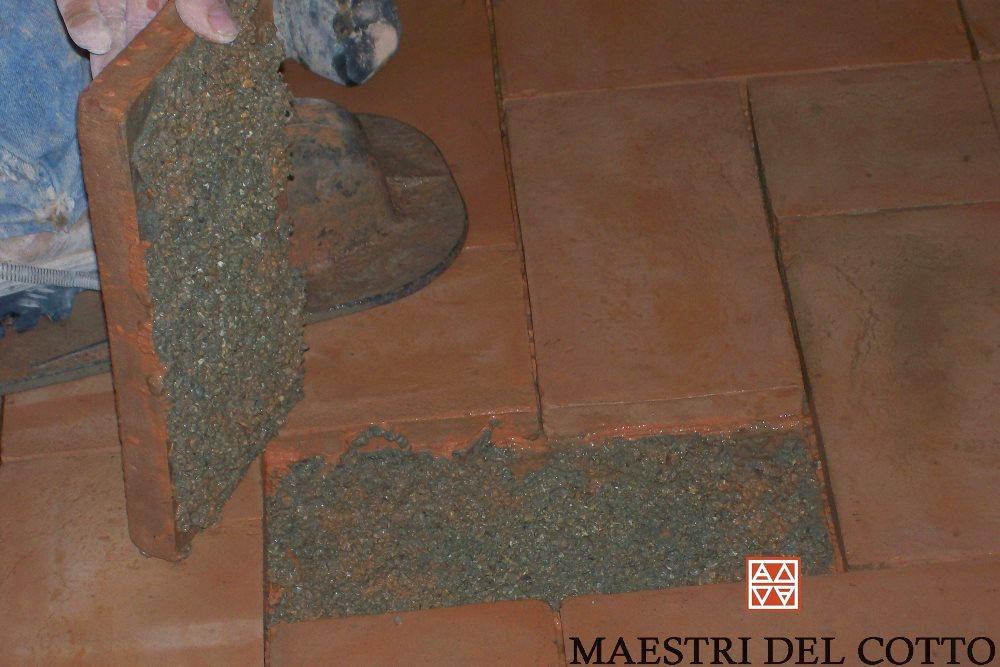 Come si monta un pavimento in cotto cotto a basso spessore per