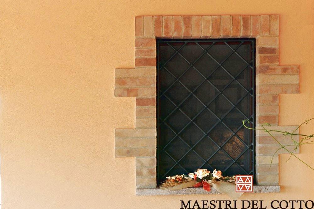 Cornici Per Finestre In Mattoni In Cotto