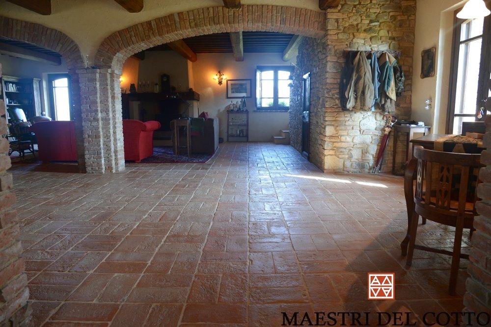 Arredamento Rustico Antico.Arredamento Rustico Con Pavimento In Cotto Citta Della Pieve