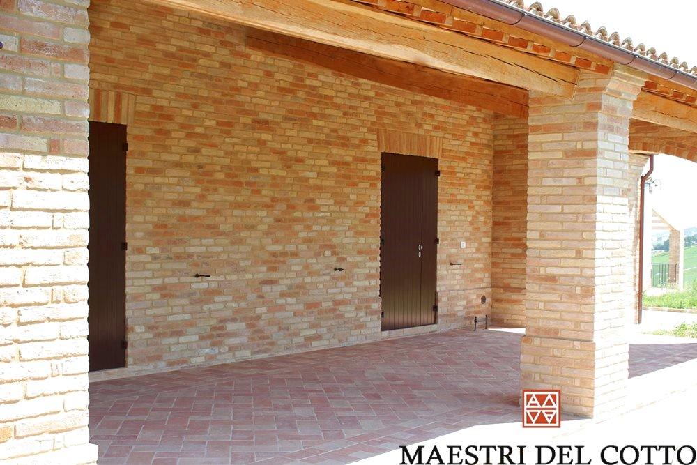 Listelli di mattoni faccia vista citt della pieve perugia umbria maestri del cotto - Pietra faccia vista per esterni ...