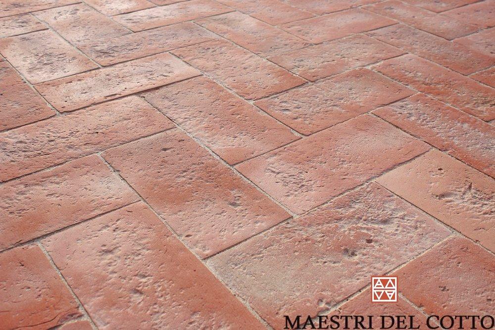 Pavimenti in cotto rosso per esterni cotto fatto a mano e cotto a
