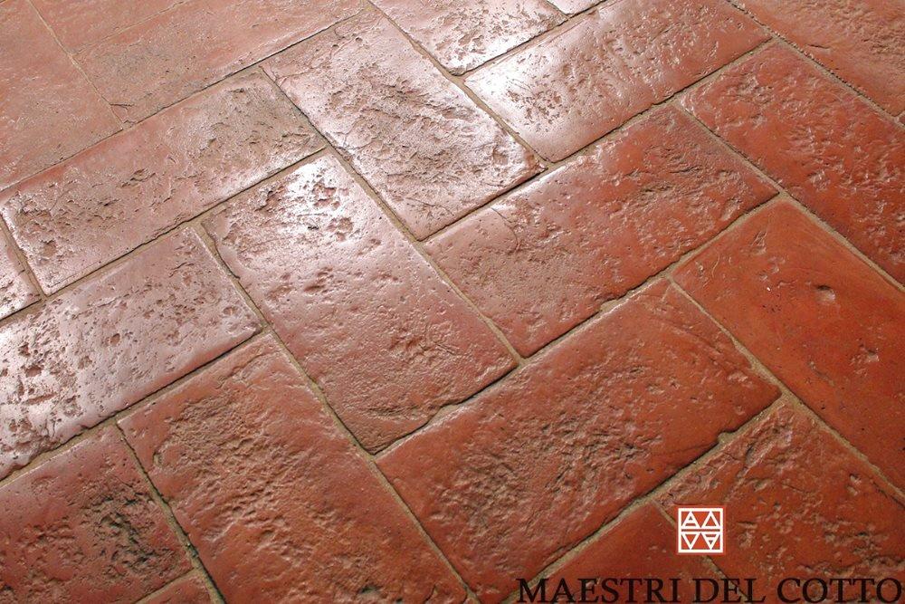 Cotto rosso pavimenti in cotto fatto a mano e cotto a legna a partire da 36 00 al mq citt - Piastrelle cotto veneto vendita ...