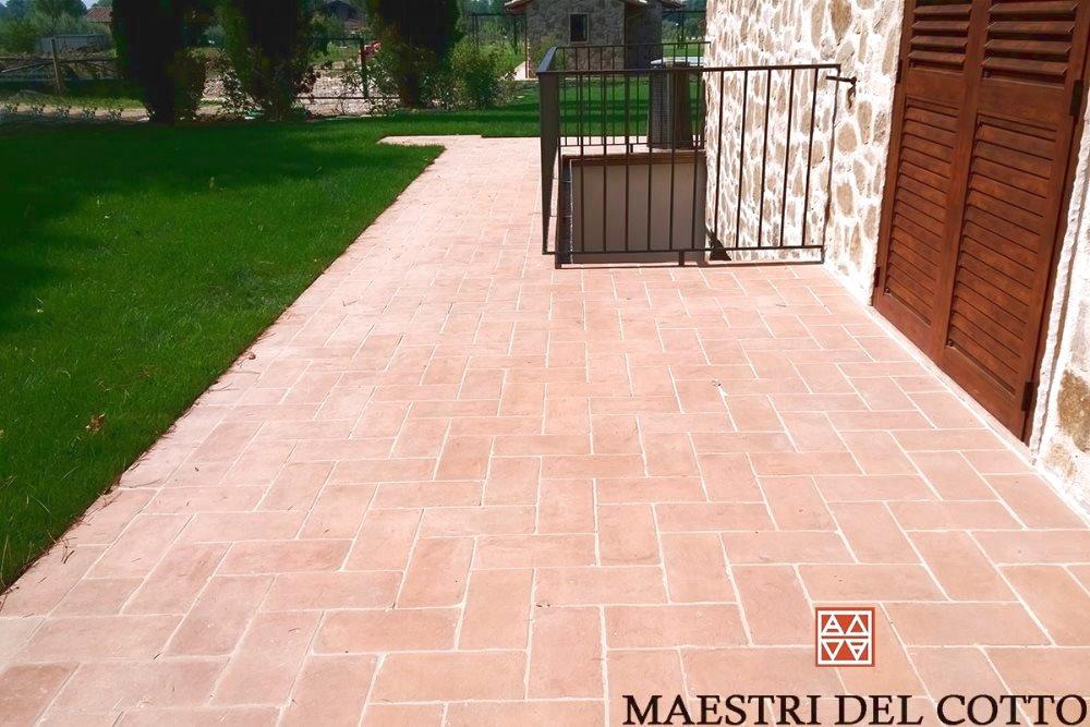 Mattoni per marciapiede esterno pavimento in cotto da esterno a partire da 28 00 al mq citt - Mattoni per esterno ...