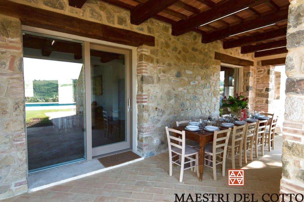 Mattoni per pavimento esterno cotto fatto a mano e cotto a for Piccola casa con avvolgente portico
