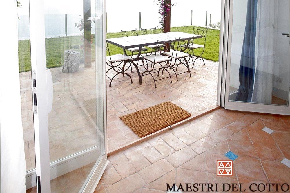 Mattoni per pavimento terrazzo cotto fatto a mano e cotto a legna citt della pieve perugia - Pavimento per terrazzo ...