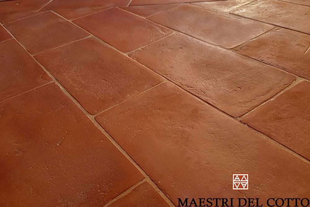 pavimento in cotto rosso fiorentino vissuto