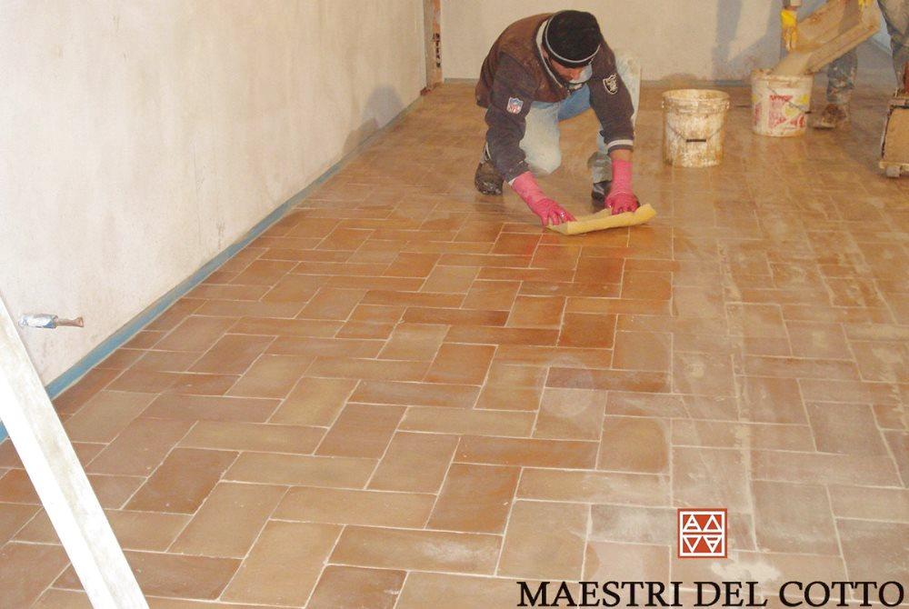 Cotto fatto a mano e pavimento riscaldato cotto for Disegni unici del pavimento