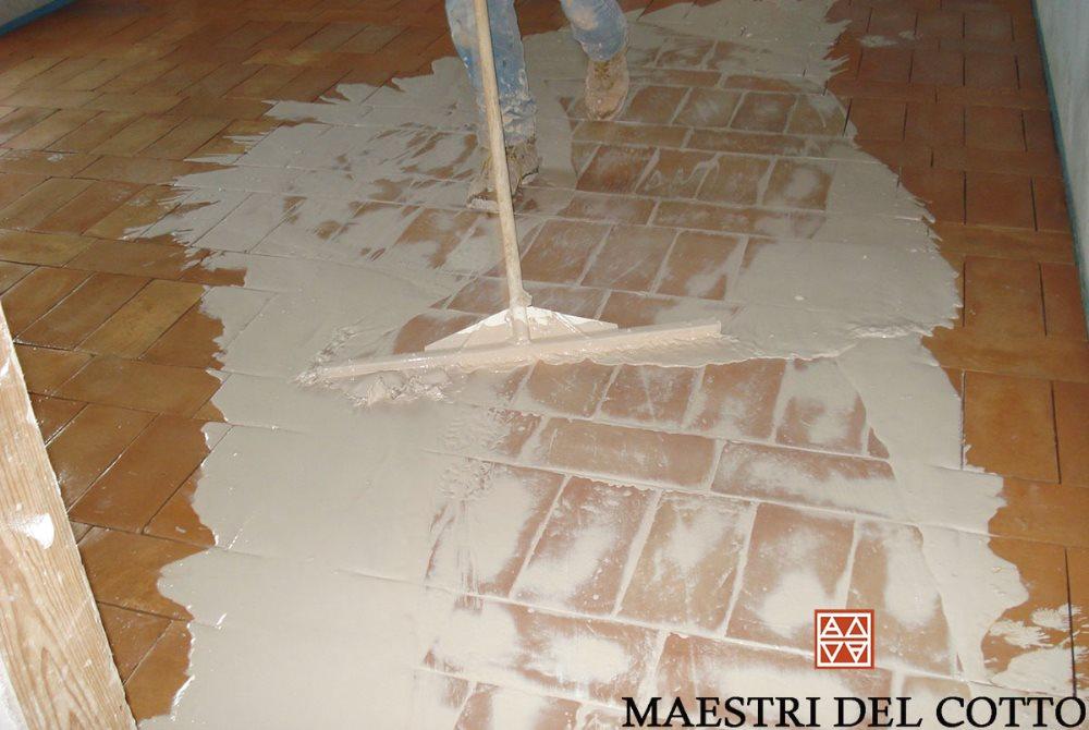 Stucco per pavimenti in cotto esterni ed interni