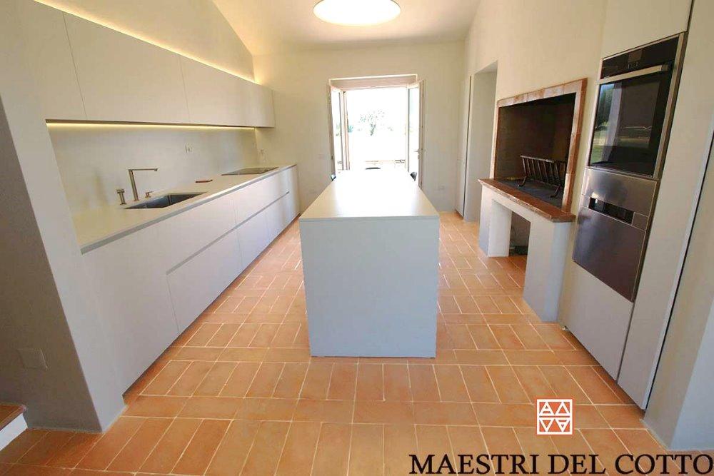 Villa a spello pavimento in cotto e arredamento moderno for Riviste arredamento moderno