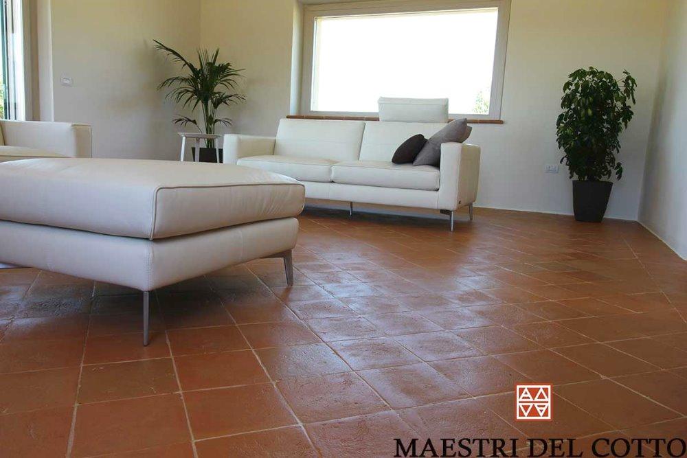 Villa a spello pavimento in cotto e arredamento moderno for Pavimento cotto arredamento moderno
