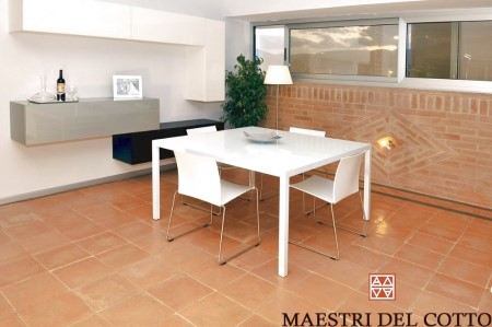 Pavimento in cotto per case moderne maestri del cotto for Arredamento moderno su pavimento in cotto